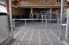 Zvedací brána nastavitelná v délce 3,40 - 4,50 m